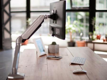 soporte-smart-monitor-escritorio-simple